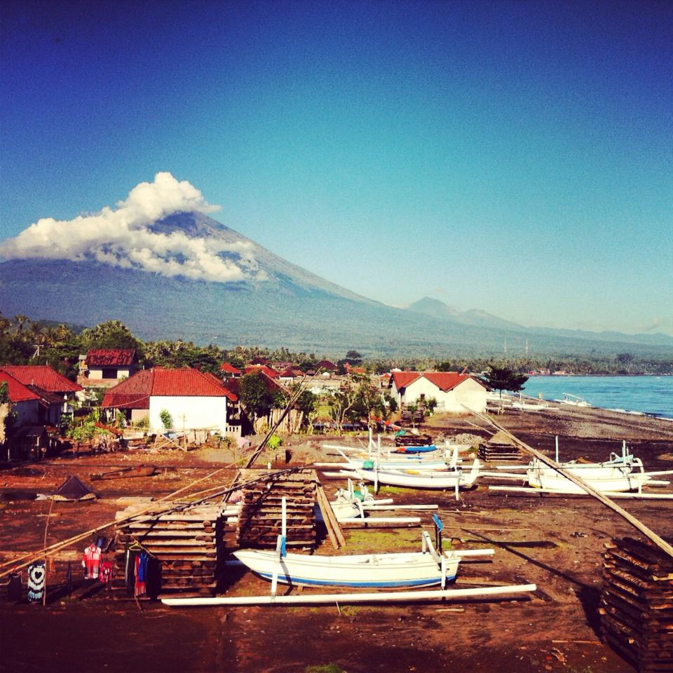 Mt. Agung remains dormant since 1963
