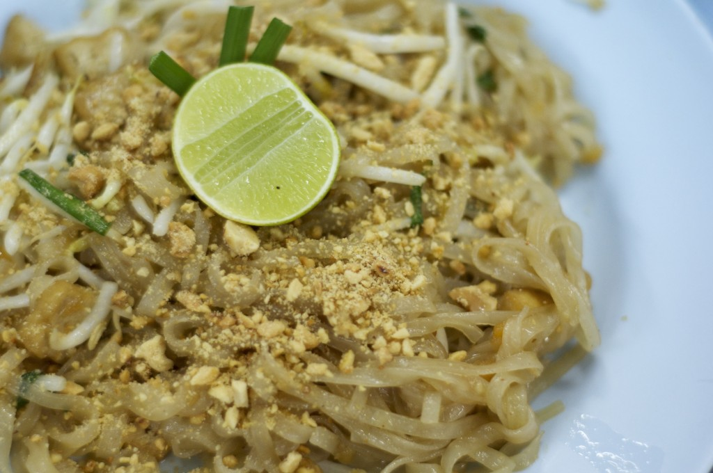 Hear Tong's delicious pad Thai noodles.
