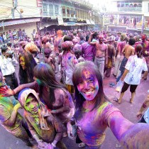 Celebrating Holi in Pushkar, Rajasthan